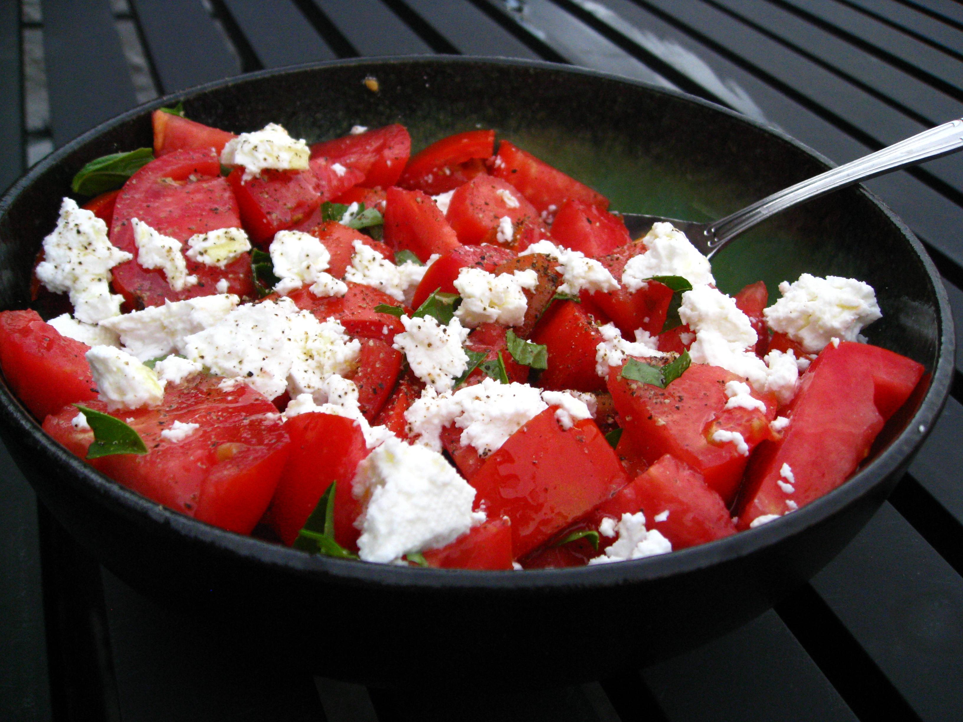 recipe goodness :: tomato, basil & feta salad | 8.ate@eight