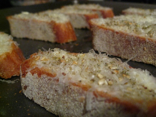 za'atar-pecorino crostini
